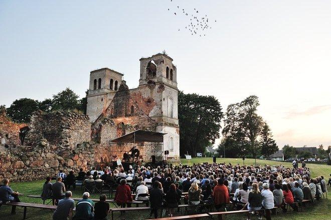 Ruinen der Bartninkai-Kirche